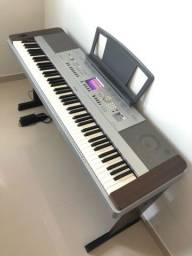 PIANO TECLADO YAMAHA DGX640