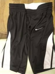 Bermuda Nike Dri-Fit preta / G
