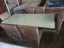 Mesa com 6 Cadeiras Estofadas Tampo Vidro Tamanho 1,50 x 0,80