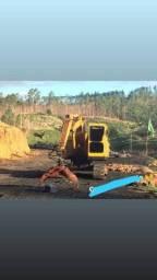 Vende-se escavadeira (Groa)