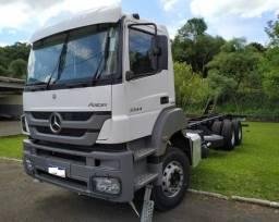 Caminhão MB3344 Mercedes - Benz - 12/12 - 2012
