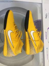 Chuteira Nike e calça de treino da Nike 9b784f7a50db7