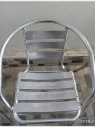 Cadeiras em alumínio