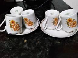 Conjunto de xícaras e outras extras/ Aceito Cartão