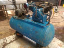 Vendo ou troco Compressor primax 250L