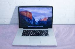 MacBook Pro 17' / i7 / 8GB de memória / HD ssd de 120GB / Sistema MacOS High Sierra