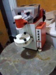 Máquina de coxinha. *