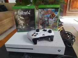 Xbox one S 500gb 4jogos, red dead e Assassin's memória