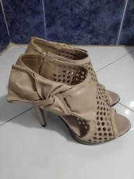 Sapato semi-novo *
