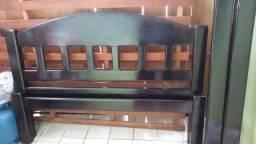 Cama de casal feita madeira