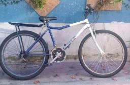 Bicicleta aro 26 com marchas e bagageiro