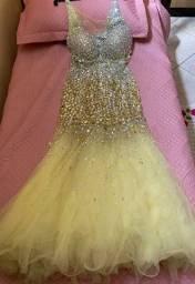Vestido de cor nude modelo sereia tule 1.200