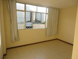 Excelente apartamento com sala, 02 quartos, banheiro social, cozinha e área de serviço!