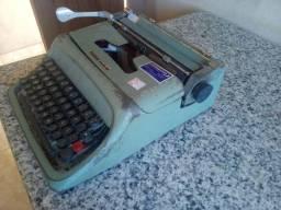 Vendo máquina de escrever Olivetti Studio 44