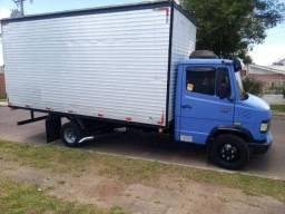 Caminhão bau 5.30 mudanças fretes transportes