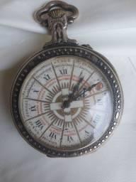 Relógio de bolso antigo em prata