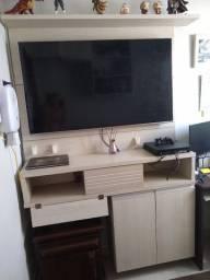Painel / estante de TV com gaveta e partição com duas portas
