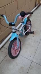 Bicicleta aro 16 com rodinhas