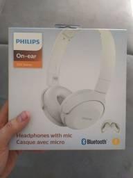 Headphone Philips na caixa