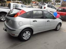 Focus Hatch 1.6 Flex - 2005