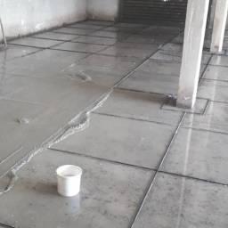 Trabalhamos com pisos granitina porcelanato cerâmica laminados e vendemos material