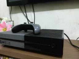 Xbox one Versão limitada,1 tera + 7 jogos + microfone xbox