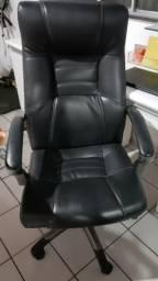 Cadeira Giratória Presidencial em couro