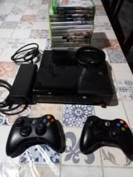Xbox 360 travado - 2 controles + 4 jogos originais