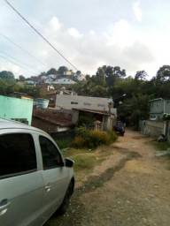 Pequena casa bairro carmelitas