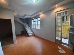 Aluga-se casa na rua José Bonifácio no Caminho de Areia (Cidade Baixa)