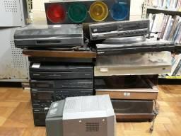 Toca Discos - Diversos Aparelhos - Carcaça para retirada de peças ou restauro