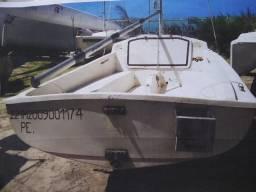 Vendo veleiro Daysaller com dois jogos de vela