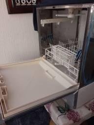 Lava louça brastemp pequena