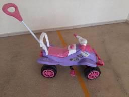Quadriciclo Infantil a Pedal para Menina