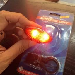 Lanterna bike com carregamento solar