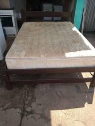 Vende cama casal com colchão de mola ensacada