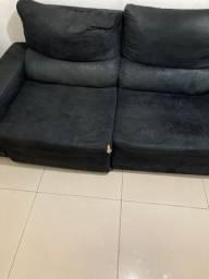 Sofá retrátil e reclinável preto