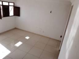 Apartamento Usado todo reformado com 3 quartos Cristo