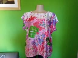 Blusa/Bata em  Floral- M