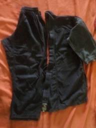 kimono preto usado