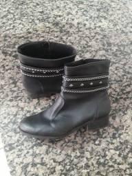 Vendo bota R$50