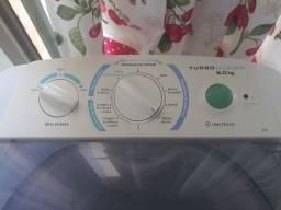 Máquina de lavar Eletrolux. 6 kg. Branca.