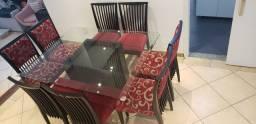 Mesa quadrada de vidro bisotado e com 8 cadeiras