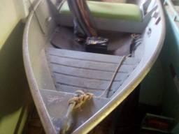 Vendo barco com carreta rodoviária