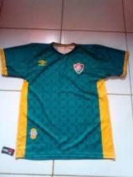 Vendo camisa de time du  Fluminense original nova tamanho G nuca foi usado