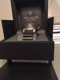 1 relógio de pulso sem uso e na caixa, marca Victorinox