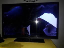 """Vendo tv aoc 40"""" com tela quebrada"""