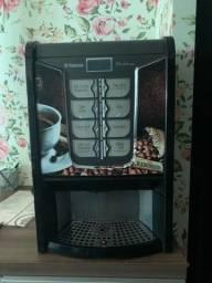 Vitrine refrigerada  , máquina de café , balança