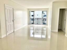 Apartamento com 3 Suítes e 2 Vagas em Balneário Camboriú