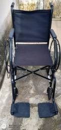 Cadeira de rodas semi nova